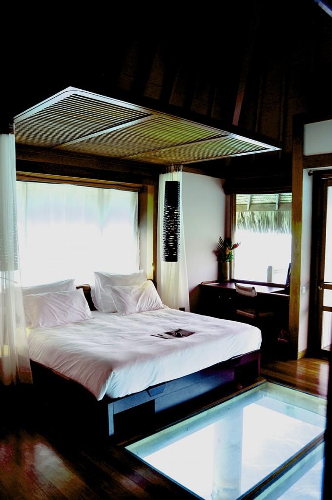 Le Méridien Bora Bora | Treasure of pleasure Le Meridien Bora Bora Overwater Bungalow Interior1