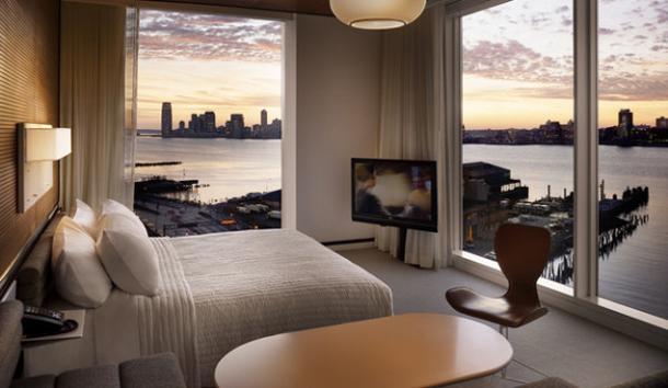 Beyoncé-videoclip-rocket-hotel-bedroom  Beyoncé videoclip 'Rocket' filmed in Standard High Line hotel Beyonc   videoclip rocket hotel bedroom