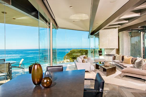 Crescent-house-modern-living-room  Luxury Crescent House by Wallace Cunningham  Crescent house modern living room