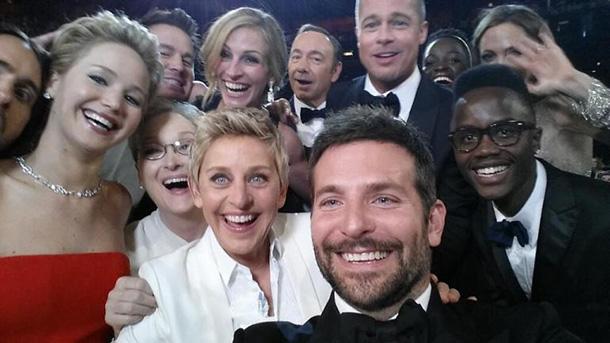 ellen-oscar-selfie-2014  The 2014 Oscars Best-Dressed ellen oscar selfie 2014