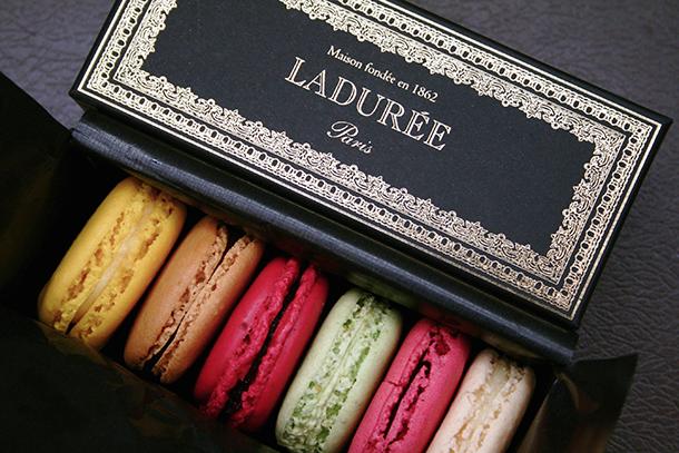 http://www.laduree.com/en_fr/  4 EXPENSIVE PLEASURES  2009 10 30 macarons laduree