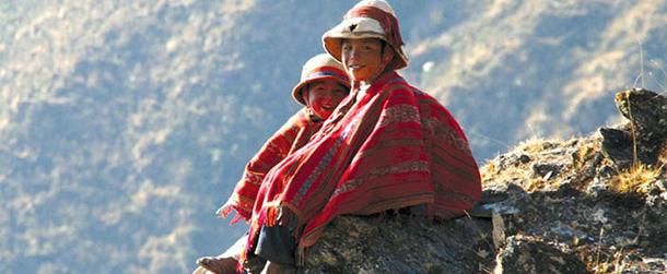 Peru Lares Trek kids  2014 Travel Trends  peru lares trek kids from lares valley