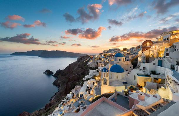 Santorini_most-amazing-places-do-visit-in-europe  Most amazing Places do visit in Europe Santorini most amazing places do visit in europe