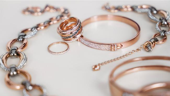 club-delux-top-brands-swarovski-jewelry  Top Luxury Brands | Swarovski club delux top brands swarovski jewelry