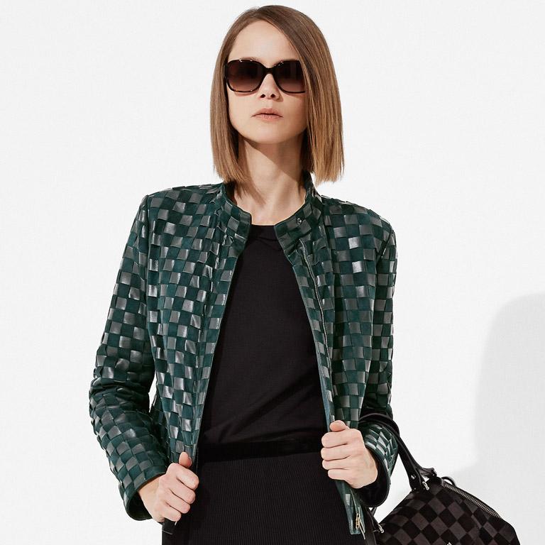 club-delux-top-luxury-brands-armani-Armani-Collezioni-2  Top Luxury Brands | Armani club delux top luxury brands armani Armani Collezioni 2