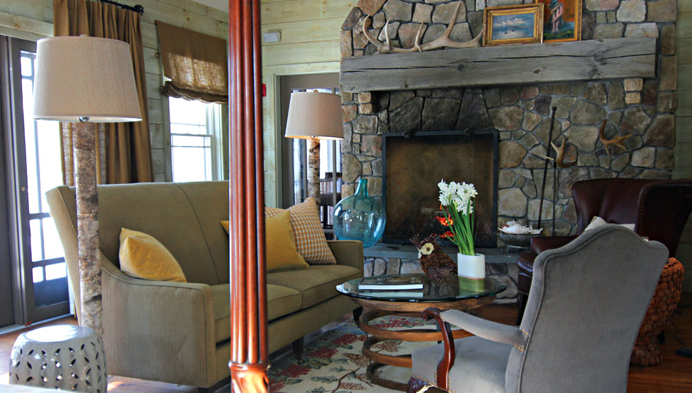 Reopens The Maine's Hidden Oasis. 413355